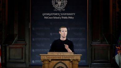 Photo of Facebook CEO Mark Zuckerberg Defends Refusal to Take Down Some Content