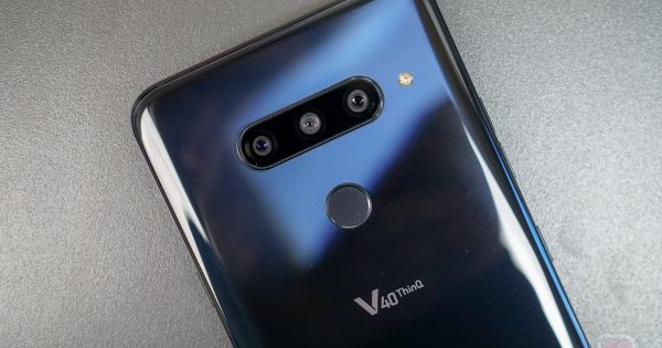 Photo of T-Mobile LG V40 Receives Android 10 Update